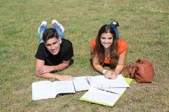 pary edukaci przyjaciół powiązań uczni temat obrazy royalty free