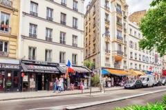 PARYŻ FRANCJA, LIPIEC, - 04, 2016: Miasto widoki Paryż, ulica, bui Zdjęcie Royalty Free
