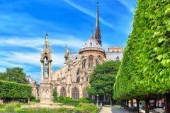 PARYŻ FRANCJA, LIPIEC, - 08, 2016: Notre Dame De Paris katedra, m Zdjęcie Royalty Free