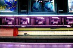 PARYŻ, FRANCJA, Lipiec 26, 2013 - stacja metru w Paryż Zdjęcia Royalty Free
