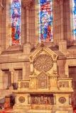 PARYŻ FRANCJA, LIPIEC, - 08, 2016: Wnętrze Rzymskokatolicki Chu Zdjęcia Royalty Free