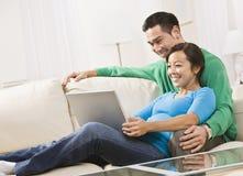 pary laptopu viewing obraz royalty free