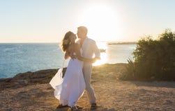 Pary miłości plaży więzi Romansowy pojęcie Obraz Stock