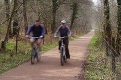 pary na rowerze Zdjęcie Royalty Free