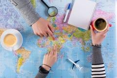 Pary planowania wycieczka Afryka, punkt na mapie Zdjęcie Royalty Free