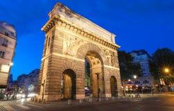 Pary? porte Saint Martin, pi?kna antyczna brama blisko grands boulevards obraz stock