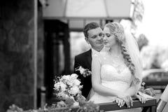 Pary sesja zdjęciowa. przy dniem ślubu Fotografia Royalty Free