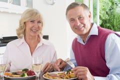 pary starszy target1067_0_ posiłku mealtime wpólnie obraz stock