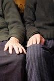pary starszych osob ręki obrazy royalty free