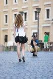 Pary turist bierze pamiątkarskiego zdjęcie Obrazy Royalty Free