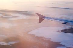 Paryż w mgle i skrzydle samolot Zdjęcia Stock