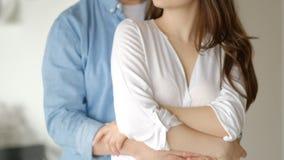 Pary zwolnione tempo Szczęśliwy wpólnie, pasja Mężczyzna i kobieta zamknięci w górę wydaje romantycznego ranek wpólnie p zbiory