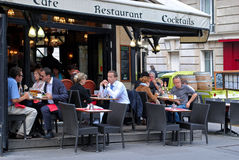 Paryjska kawiarnia. Obraz Royalty Free
