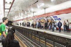 Paryska stacja metru Chatelet, Francja -. Zdjęcie Royalty Free