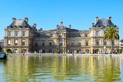 Paryski Luksemburg pałac, ogródy w lecie i obraz stock