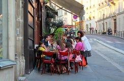 Paryski restauracja taras Zdjęcia Royalty Free