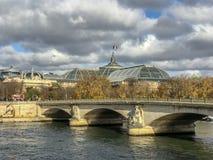 Paryski ` s Uroczysty Palais z naprzeciw wontonu zdjęcia royalty free