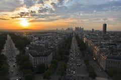 Paryski zmierzchu widok od łuku Triumph obraz royalty free