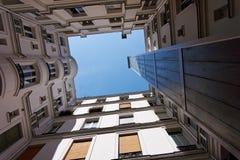 Paryskiego budynku wewnętrzny podwórze obraz stock