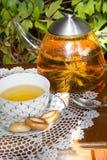 Parzenie osuszka na stole i herbata Zdjęcie Royalty Free