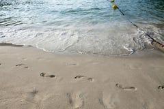 Pas dans le sable Image libre de droits