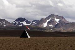 Pas startowy przed pasmem górskim zdjęcie royalty free