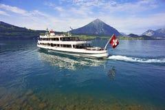 Pasażerska łódź, Jeziorny Thun, Szwajcaria Obrazy Stock