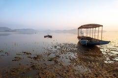 Pasażerska łódź na jeziorze obraz royalty free
