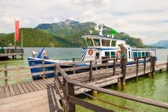 Pasażerska łódź na Wolfgangsee jeziorze, Austria Zdjęcie Stock