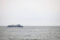 Pasażerski ferryboat w otwartym nawadnia w morzu bałtyckim Obrazy Royalty Free