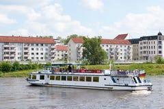 pasażerski statek na Elbe obrazy stock