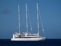 Pasażerski statek przyjeżdża przy admiralici zatoką Obraz Royalty Free