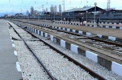 Pasażery czeka pociąg w Sofia Bułgaria, Nov 25, 2014 Obrazy Royalty Free
