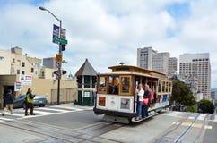 Pasażery jedzie na Hyde wykładają wagon kolei linowej w San Fransisco Obraz Stock