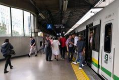 Pasażery metro Medellin Kolumbia w godzina szczytu zdjęcie royalty free