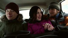 Pasażery są podróżni w samochodzie zdjęcie wideo