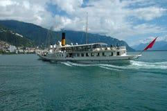 Pasażerski prom na Geneve jeziorze w Szwajcaria Zdjęcie Stock