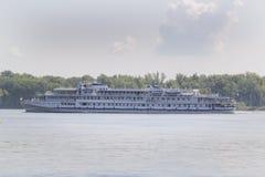 Pasażerski rzeczny statek na Volga rzece, Rosja Fotografia Stock