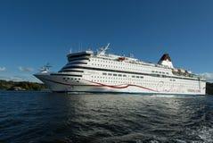 Pasażerski statek opuszcza schronienie Sztokholm Obrazy Royalty Free