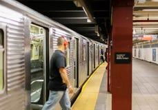 Pasażery w Nowy Jork metrze Obrazy Stock