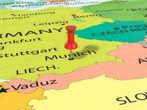 Pasador en el mapa de Munich ilustración del vector