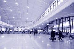 Pasajero en el aeropuerto Imagen de archivo libre de regalías