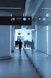 Pasajeros en el aeropuerto fotografía de archivo libre de regalías