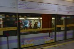 Pasajeros en el metro de Shangai - China Imagen de archivo libre de regalías