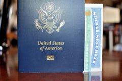 Pasaporte americano, tarjeta del residente permanente y tarjeta del número de la Seguridad Social Imagenes de archivo