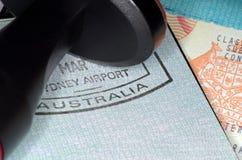 Pasaporte australiano de la inmigración Fotos de archivo libres de regalías