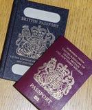Pasaporte británico viejo y nuevo pasaporte europeo Fotografía de archivo libre de regalías