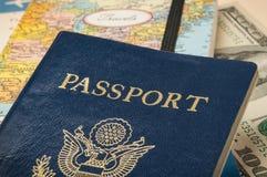 Pasaporte con los documentos de viaje Imágenes de archivo libres de regalías