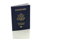 Pasaporte de los E.E.U.U. aislado en blanco imagen de archivo libre de regalías