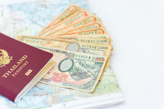 Pasaporte de Tailandia para el turismo con el mapa a de Nepal de la región de Annapurna imagen de archivo